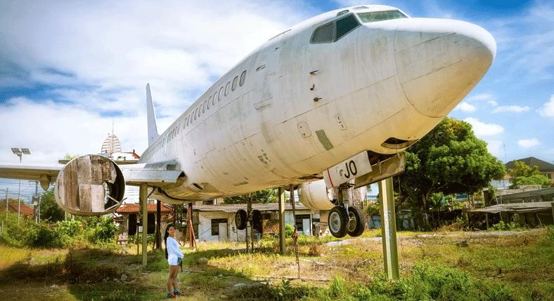 Visit-an-abandoned-aircraft-bali